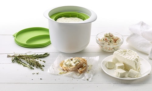 Лучше всего для питания больных панкреатитом использовать свежеприготовленный домашний творог