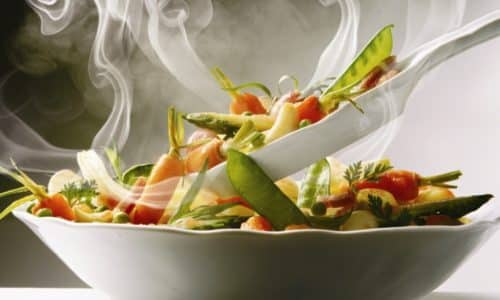 Специалисты не рекомендуют употреблять слишком горячую пищу
