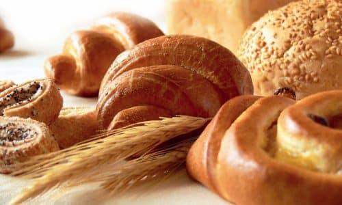 Под жесткий запрет при панкреатите попадают свежий хлеб и сдоба