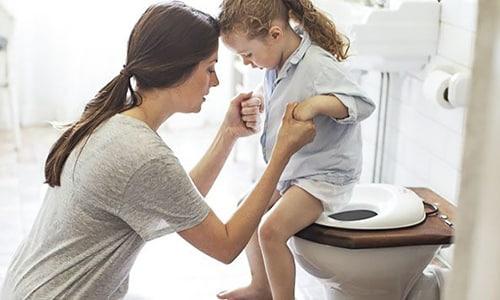 У девочек цистит возникает в три раза чаще, чем у мальчиков