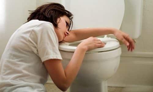 Тошнота - симптом мочекаменной болезни