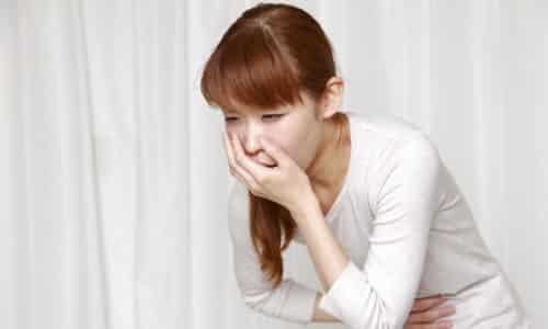 Тошнота и рвота также являются частыми спутниками заболевания