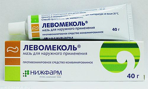 Мазь Левомеколь не поможет размягчить ногтевую пластину, но ее можно использовать при воспалении или развитии гнойных процессов