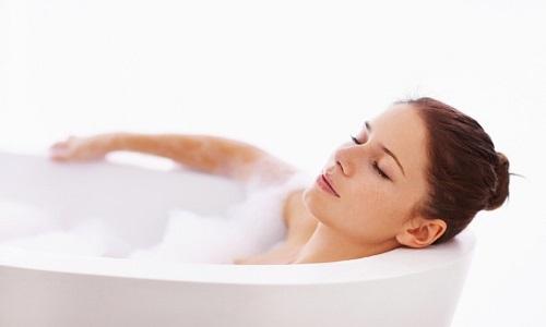 Ванны с крахмалом помогают подсушивать очаги опоясывающего лишая