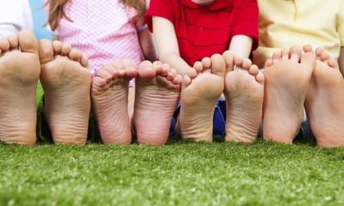 Плоскостопие - это одно из самых распространённых заболеваний современного мира, которое сопровождается визуальным изменением ног, внутреннего свода стопы