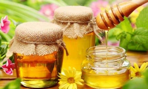 Мед необходим для приготовления напитка при грибке ногтей