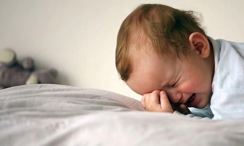 При развитии плоскостопия ребенок отказывается ходить и часто плачет