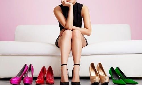 Выбирая обувь на каждый день, отдайте предпочтение моделям с невысоким устойчивым каблуком, а высокие модельные туфли оставьте для «выхода в свет»