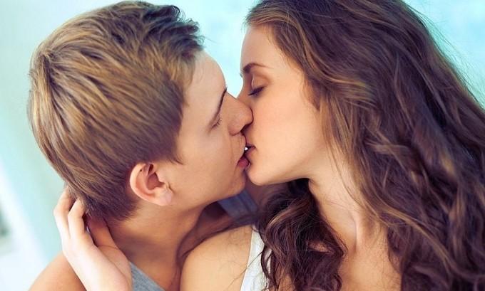 Генитальный герпес передается через поцелуи