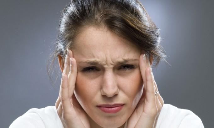 Головные боли могут свидетельствовать о наличии вируса опоясывающего лишая в организме