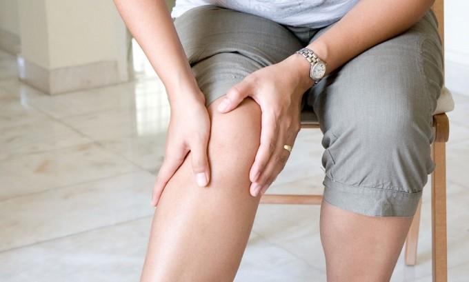Первым симптомом варикоза является усталость в ногах