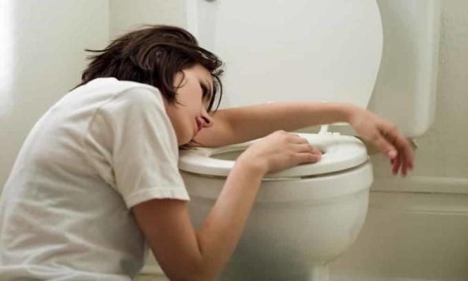 Тошнота является признаком снижения активности поджелудочной железы