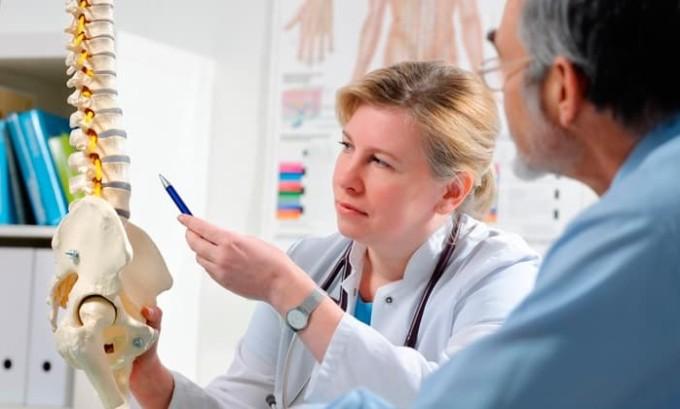 Все этапы реабилитации проходят под наблюдением реабилитологов, хирургов и неврологов