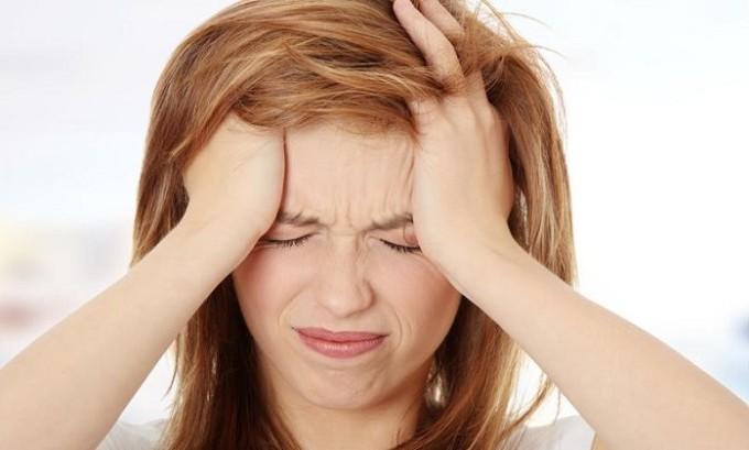 Больной герпесом может испытывать неприятные головные боли