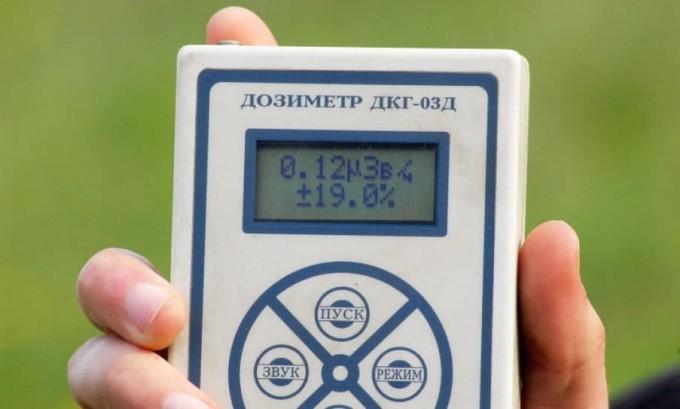 Ежедневно медицинский персонал обязан делать замер радиации с помощью дозиметра