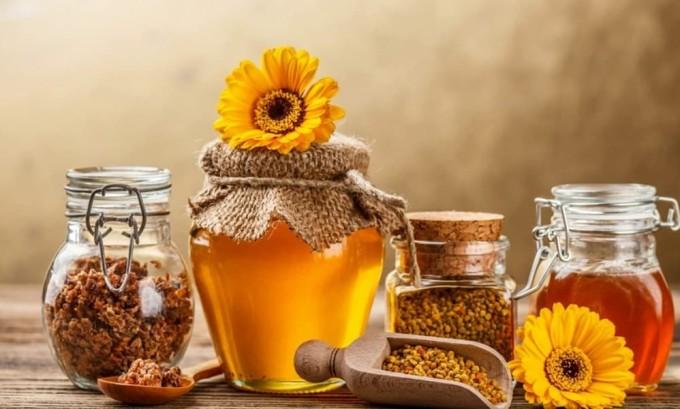 Продукты пчеловодства активизируют щитовидную железу, нормализуют ее работу и восстанавливают весь организм