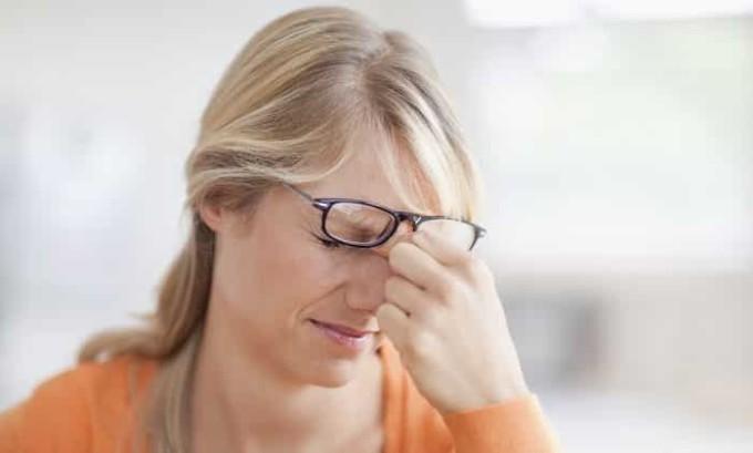 Снижение остроты зрения может указывать на проблемы с щитовидной железой