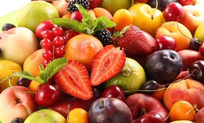 Ребенку нужно давать как можно больше фруктов и молочных продуктов
