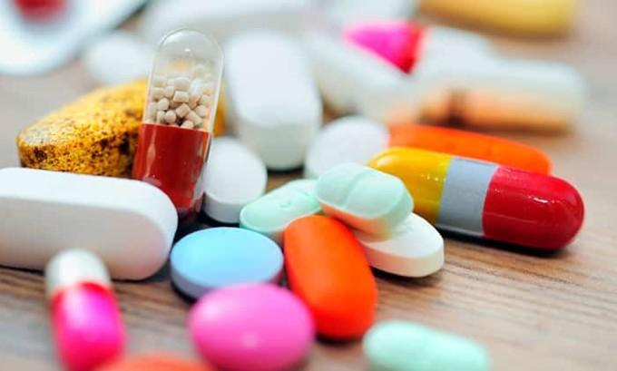 Лечение хронического цистита является комплексным. В его состав входят антибактериальные препараты