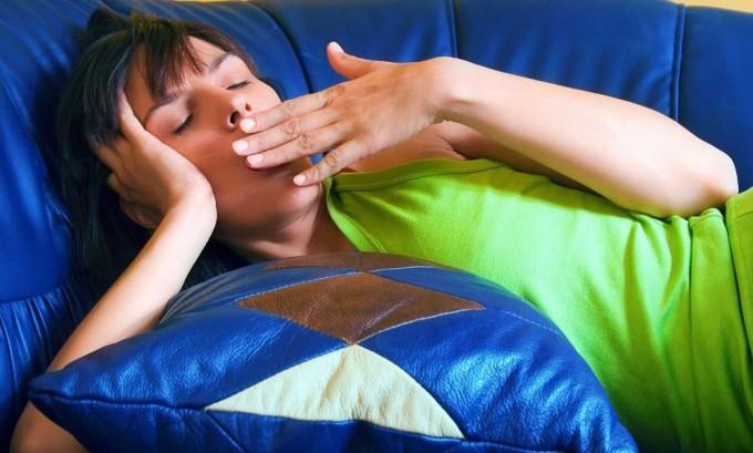 Общая слабость - один из признаков снижения активности поджелудочной железы
