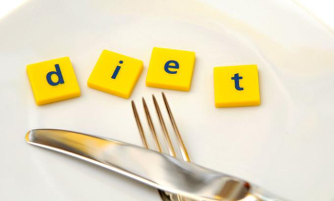 Особых сложностей с диетой при тиреоидите у больных обычно не возникает, требуется регулярное питание каждые 3 часа