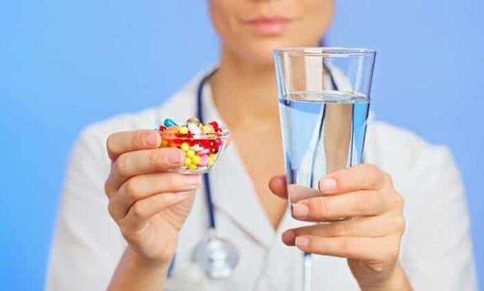 Чаще всего медики используют консервативную лечебную методику при гипертиреозе