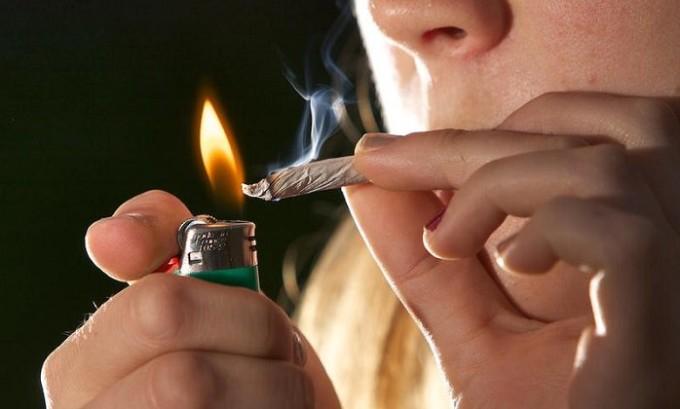 Одна из самых распространенных причин появления варикоза - это курение