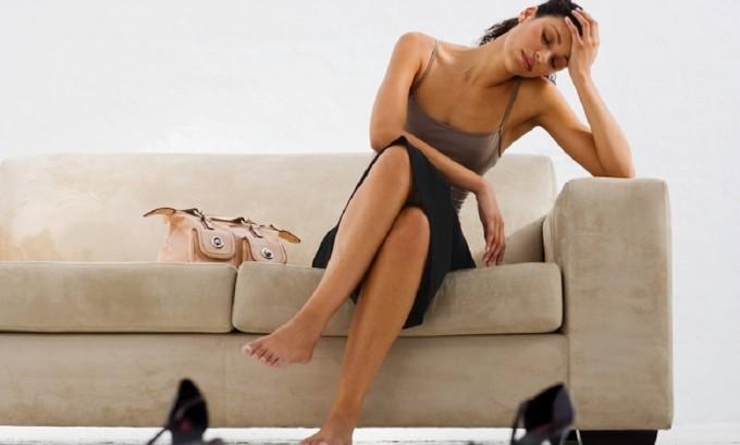 При заболевании герпесом у больного появляется внезапная слабость и усталость