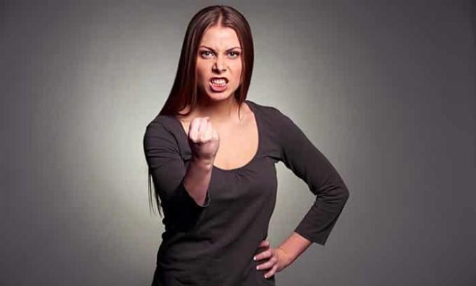 Раздражительность является явным признаком аденомы щитовидной железы