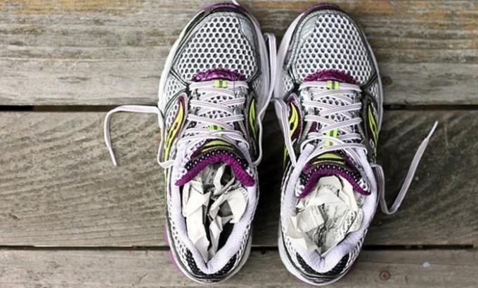 Чтобы сократить риск заражения необходимо качественно просушивать свою обувь