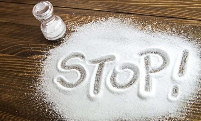 При панкреатите и холецистите необходимо сократить потребление поваренной соли