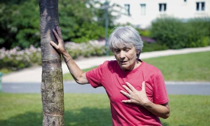 Одышка и затрудненное дыхание характерно при узловых заболеваниях щитовидной железы