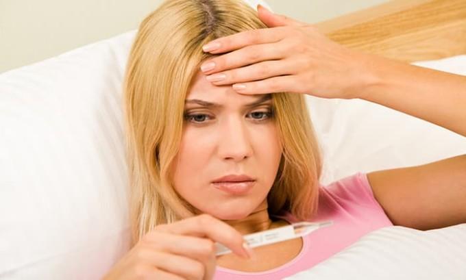 Нередко после окончания подобной процедуры с применением йода ощущается небольшое повышение температуры и появляется румянец на щеках