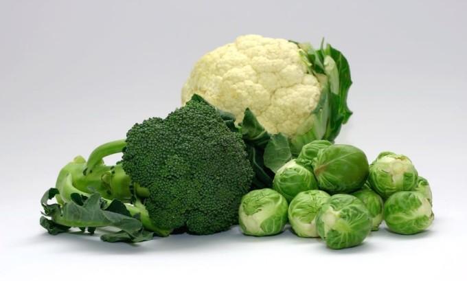 Употребление струмогенных продуктов в большом количестве может привести к разрастанию тканей щитовидной железы