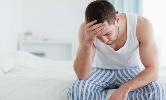 У мужчин на фоне возникшего воспаления может проявиться еще и простатит, что вкупе с циститом будет затруднять и мочеиспускание, и половые контакты, и образ жизни в целом