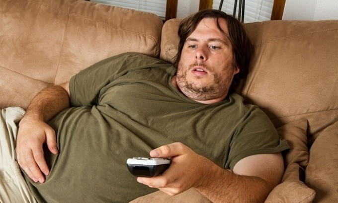 Плоскостопие может развиться у людей, которые имеют лишний вес