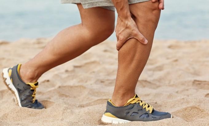 Если вы заметили судороги в ногах, то это начальная стадия варикоза