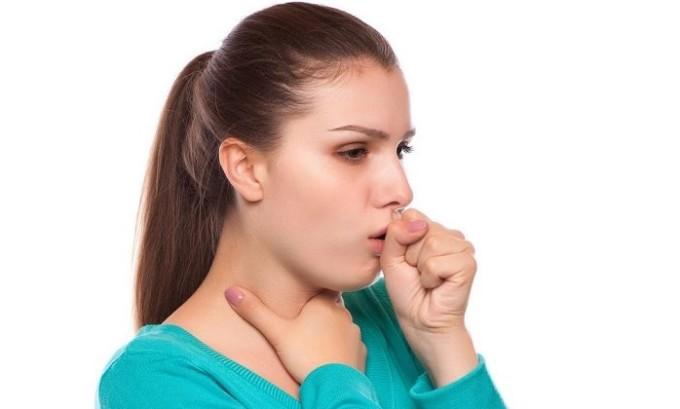 Из-за сильного кашля у людей начинаются проблемы с работой периферической венозной системы оттока крови