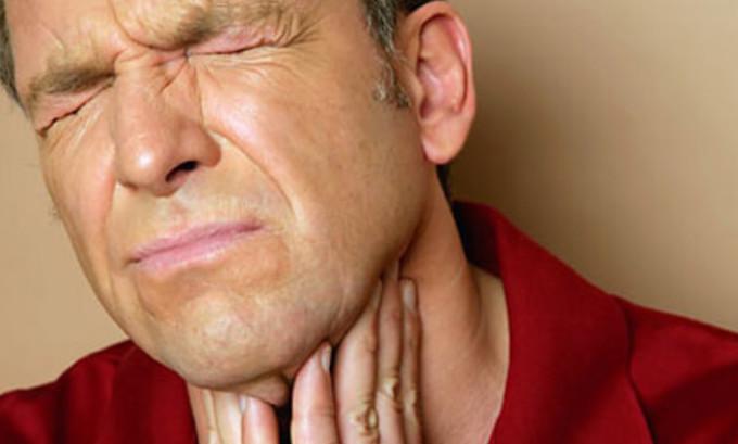 Болезненное глотание, один из симптомов болезни