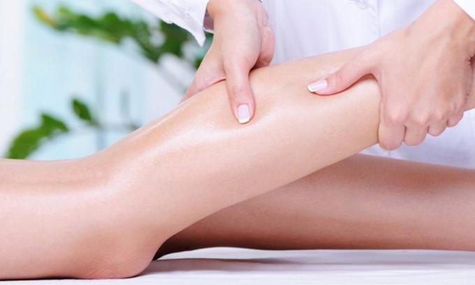 С осторожностью применять компрессионное белье больным с чувствительной кожей, обязательно выбирать качественные белье надежного производителя