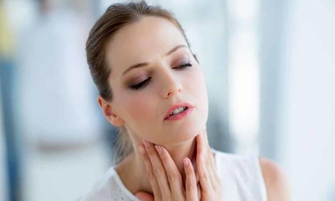 Об опухоли свидетельствует боль в области шеи