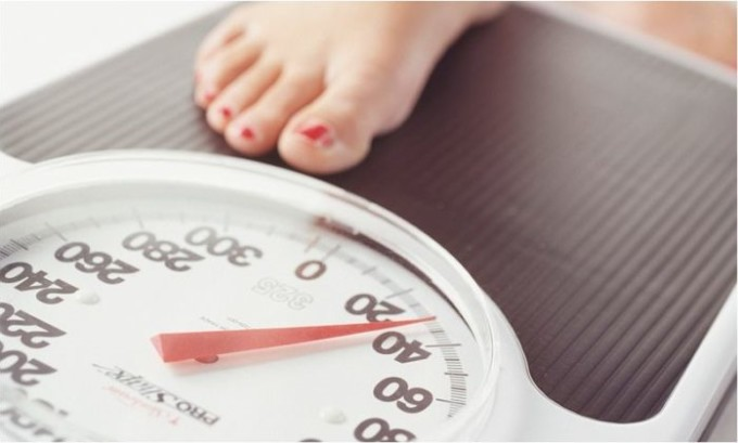 Избыточный вес до беременности или быстрый набор веса на последних месяцах беременности провоцирует варикоз