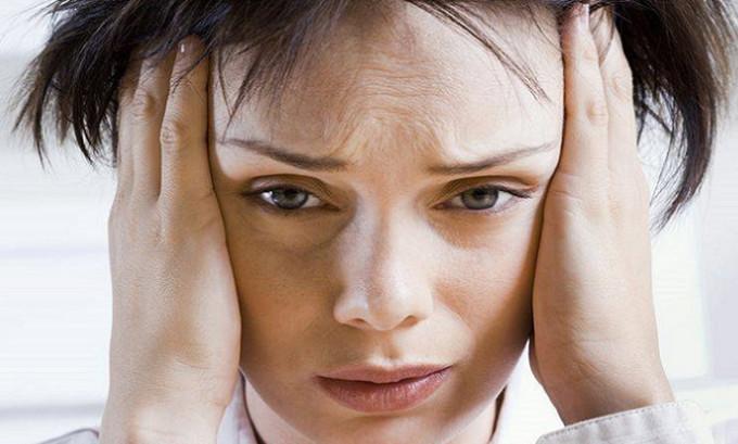 Наиболее частыми причинами развития кисты щитовидной железы стрессы на эмоциональной и психической почве