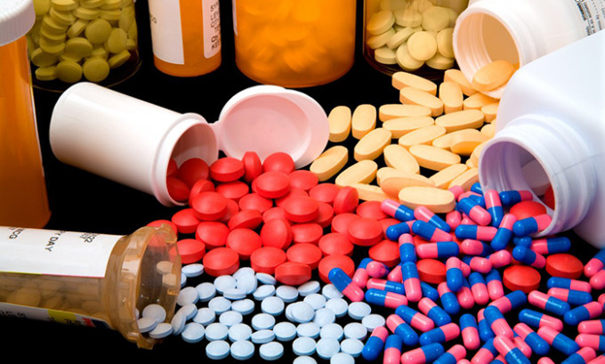 В период лечения больным рекомендуется принимать витаминные комплексы, в состав которых входит цинк, витамины группы В, Е и С