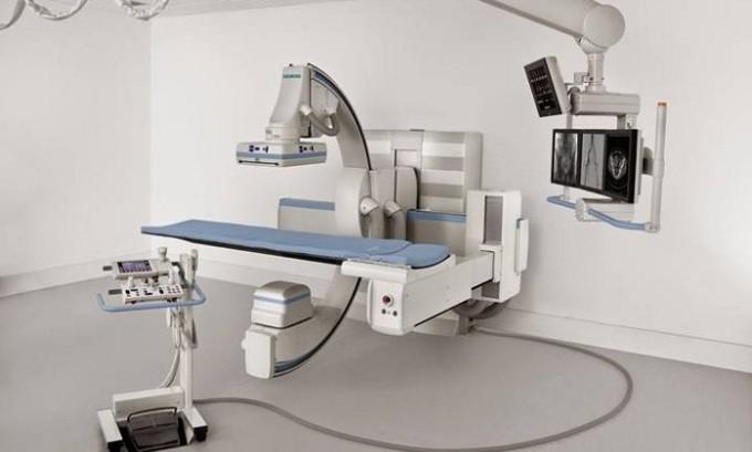 Часто используют рентгеновское просвечивание шеи и груди, чтобы увидеть пережатие трахеи