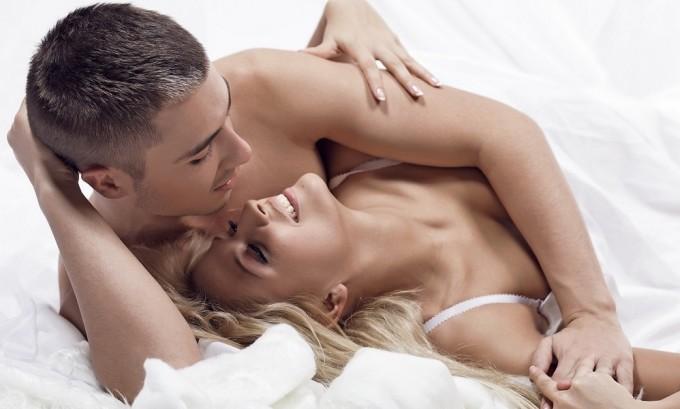 Генитальный герпес передается во время полового контакта