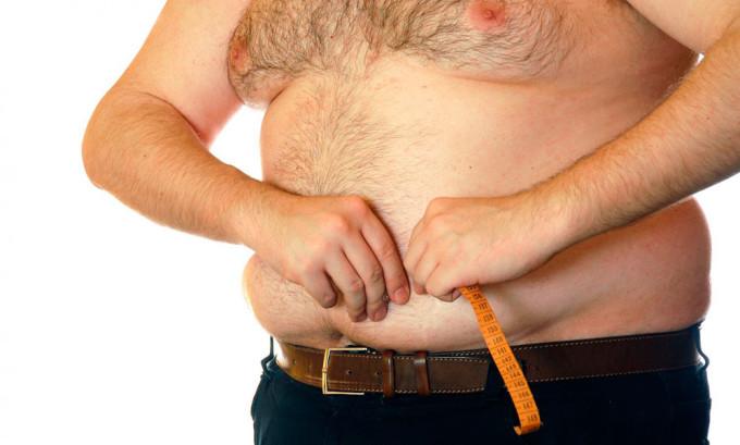 Одним из факторов заболевания является наличие лишнего веса