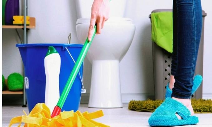 Для скорейшего выздоровления ребенка каждый день необходимо проводить влажную уборку и часто проветривать комнату