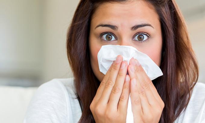 Начинается проявление заболевания герпеса с болей и зуда во внутренней полости носа