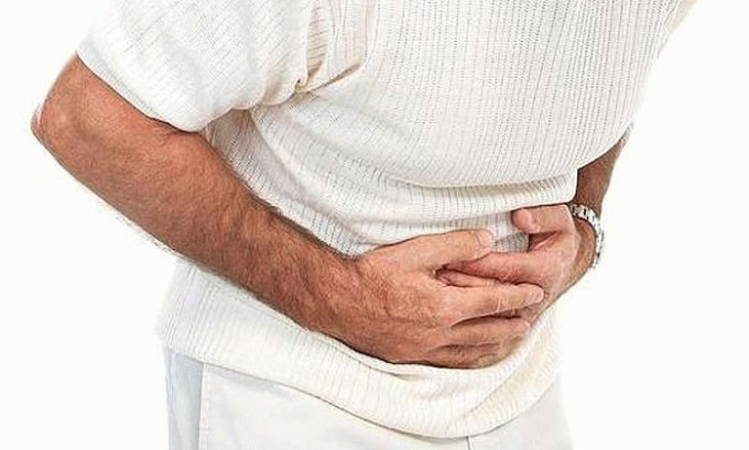 Главным симптомом развития болезни является расстройство пищеварительной системы